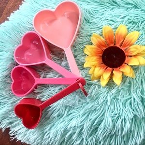 5 for $15☀️Heart measuring cups